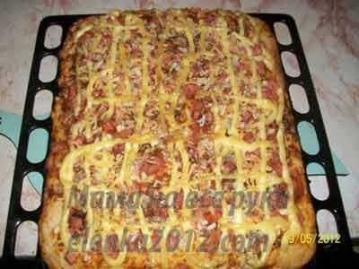 сколько по времени готовится пицца из дрожжевого теста в духовке